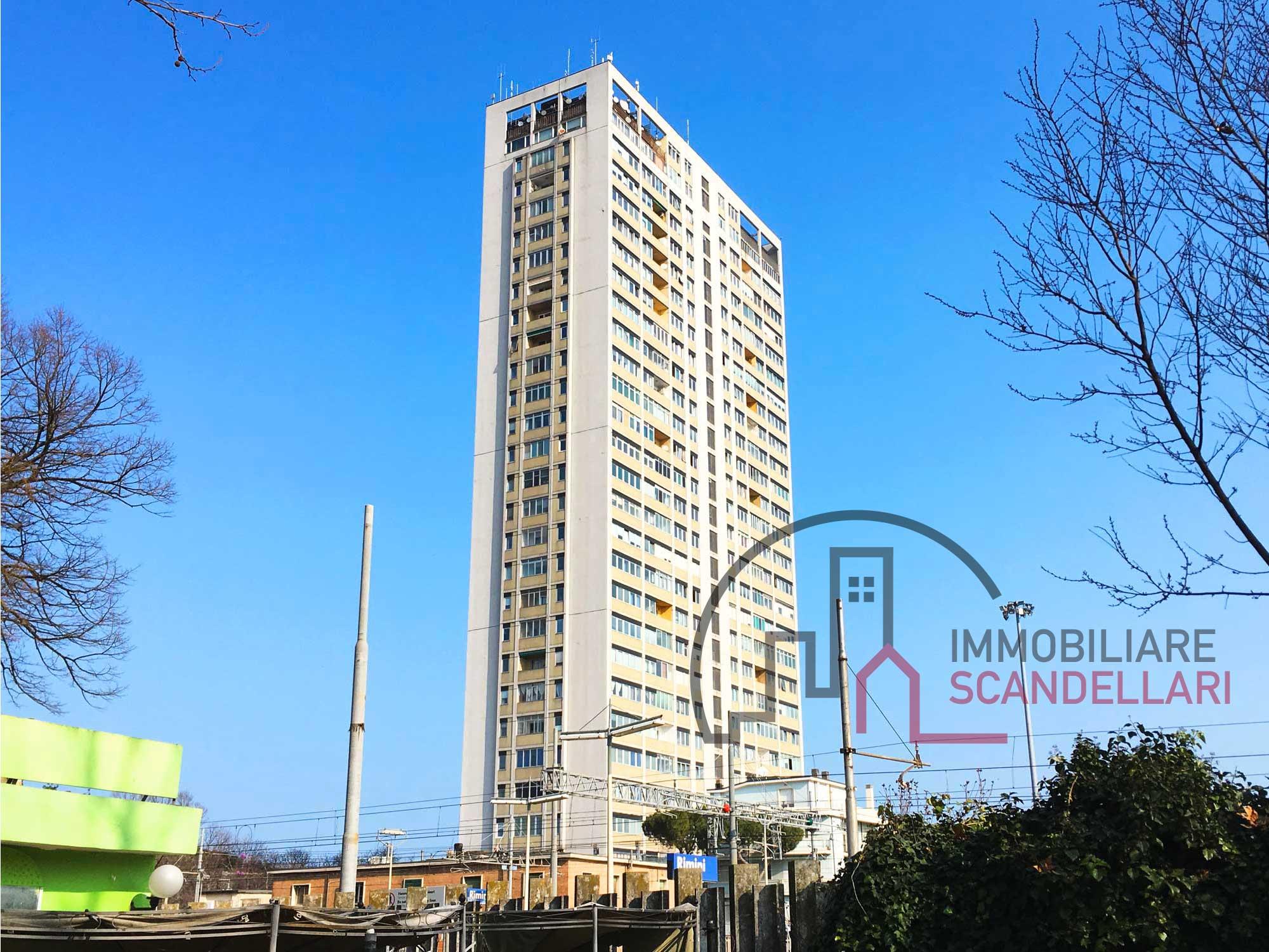 Rimini Grattacielo - Appartamento 110 mq vista mare piano alto - Immobiliare Scandellari