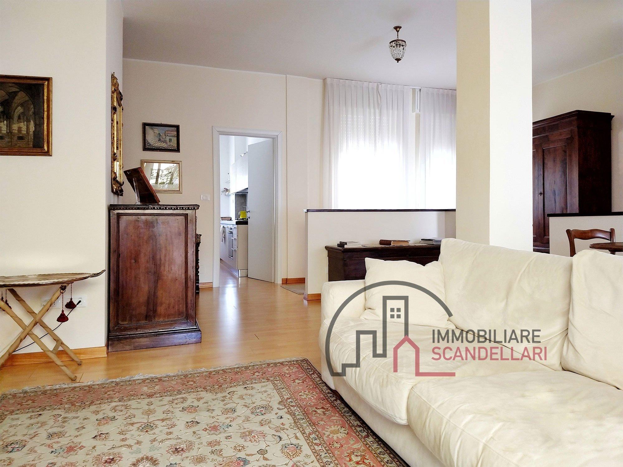 Rimini - Centro Storico - Appartamento 5 locali ristrutturato al 5° piano - Immobiliare Scandellari