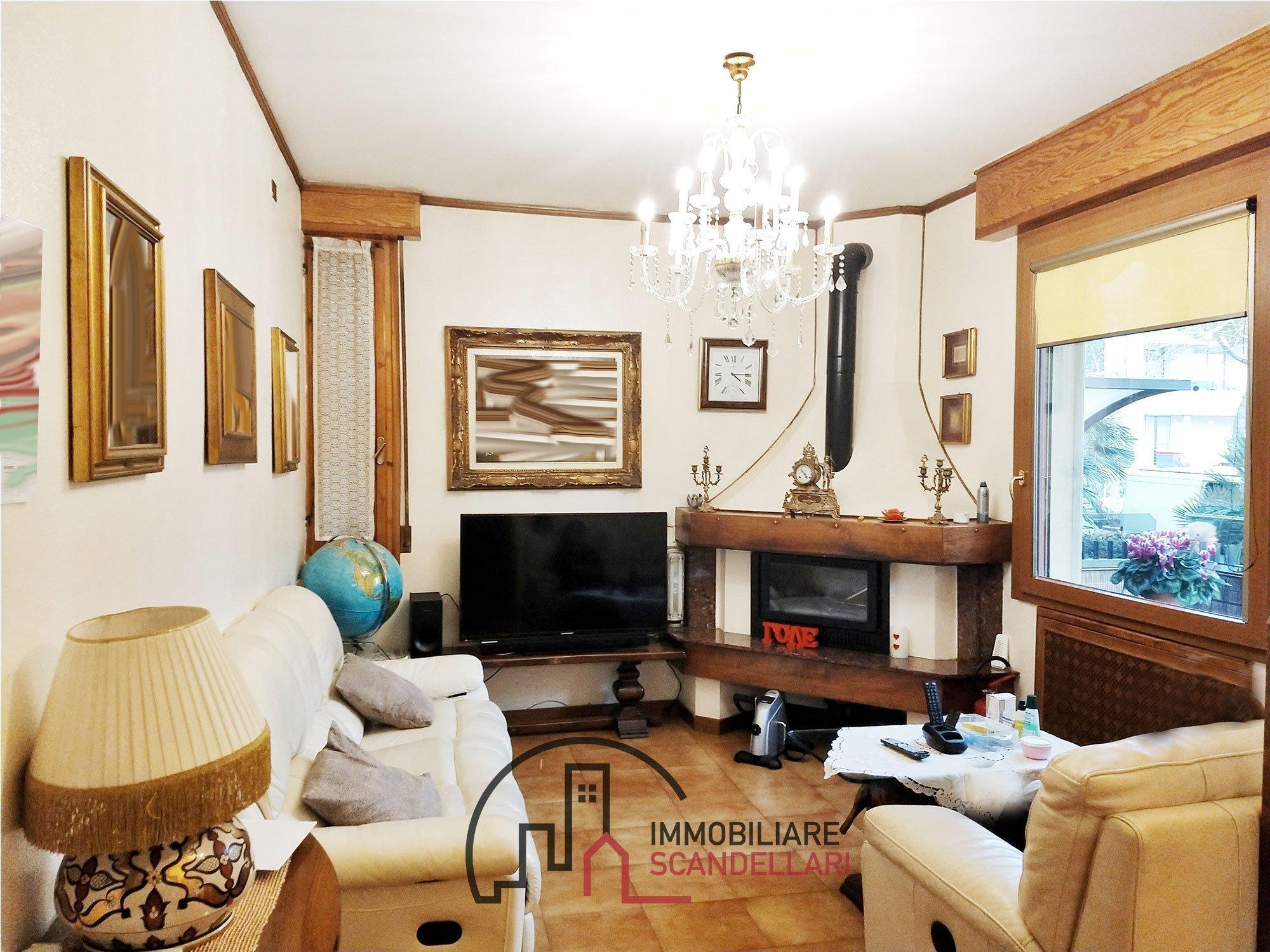 Rimini - Tripoli - Appartamento con tre camere e ingresso indipendente - Immobiliare Scandellari