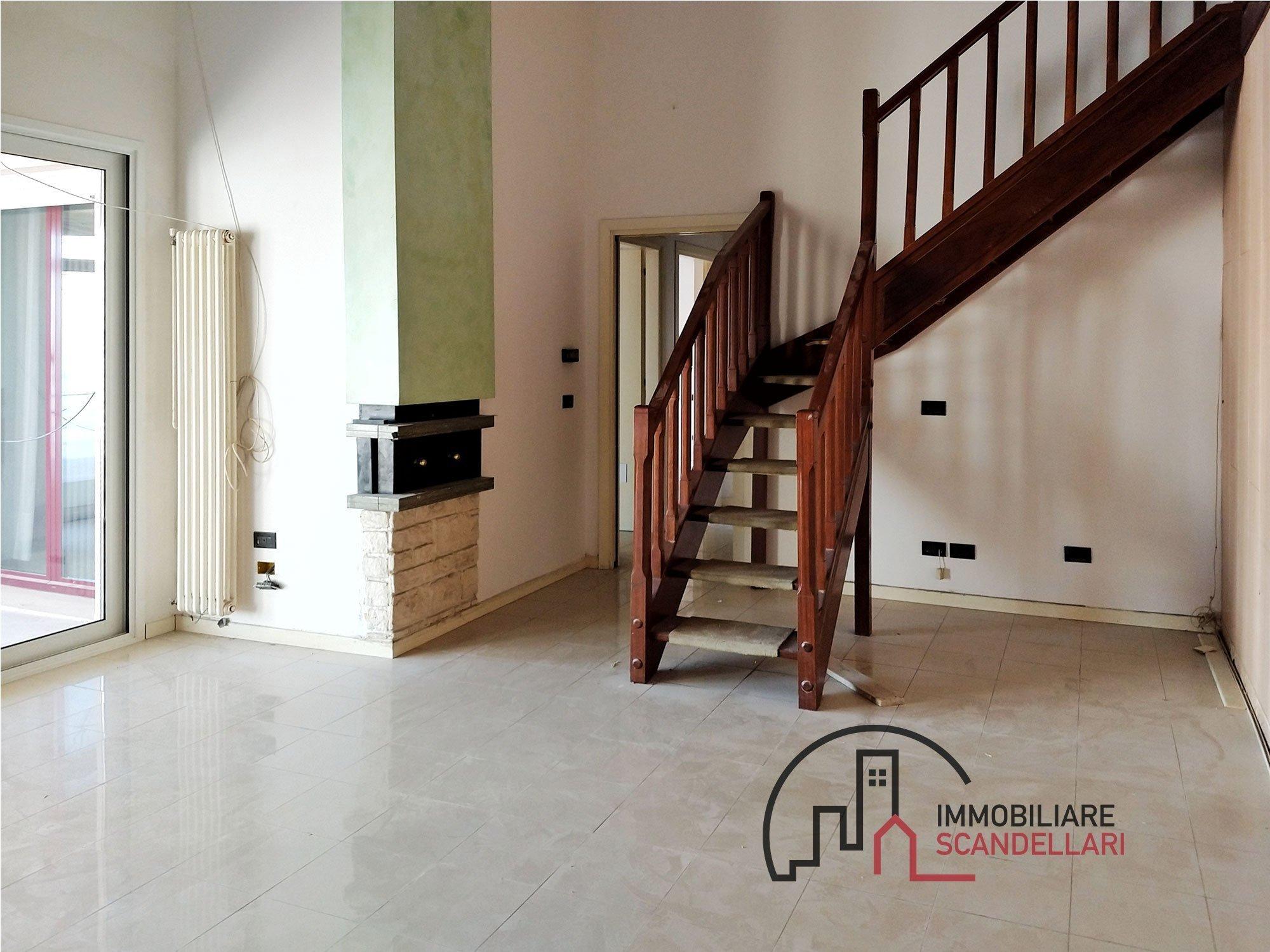 Rimini - Torre Pedrera - Attico con 4 camere e terrazzo - Immobiliare Scandellari