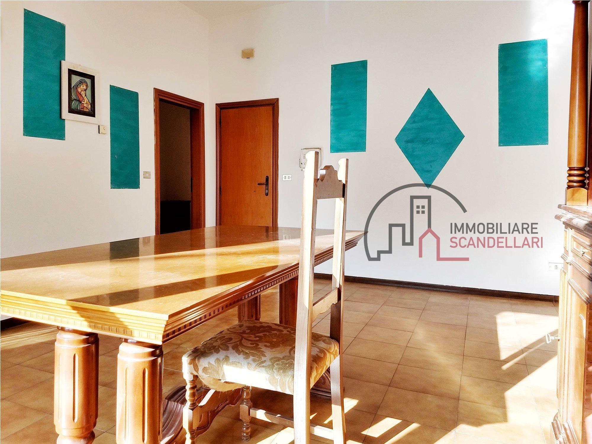 Rimini - Tripoli - Appartamento con tre camere - Immobiliare Scandellari