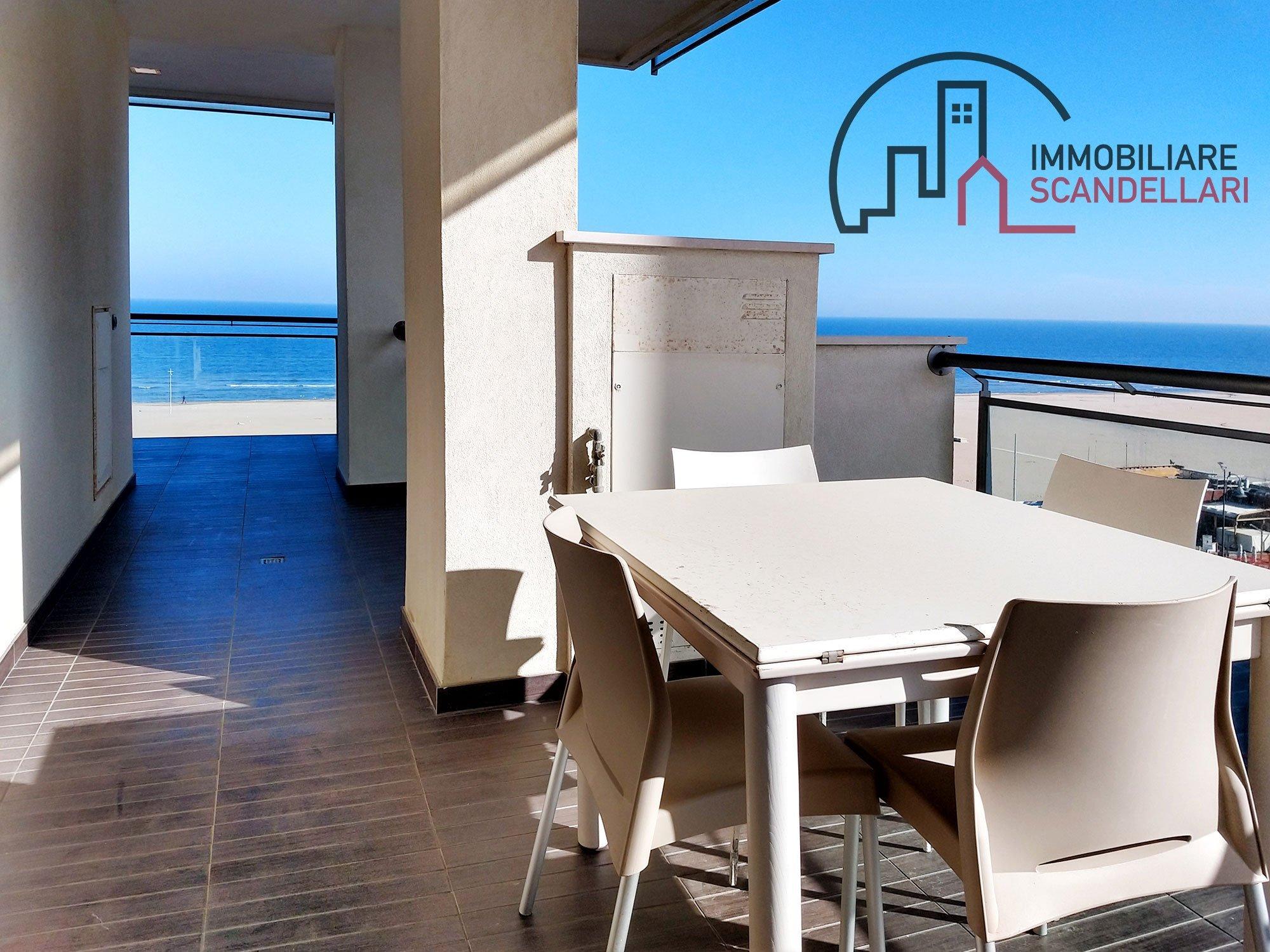 Rimini - Miramare - Bilocale nuovo fronte mare - Immobiliare Scandellari